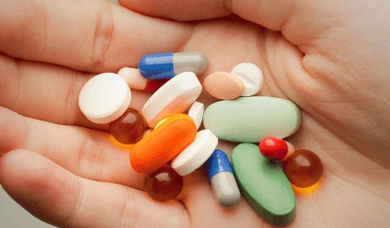 المسكنات أدوية تأخذك إلى عالم الإدمان