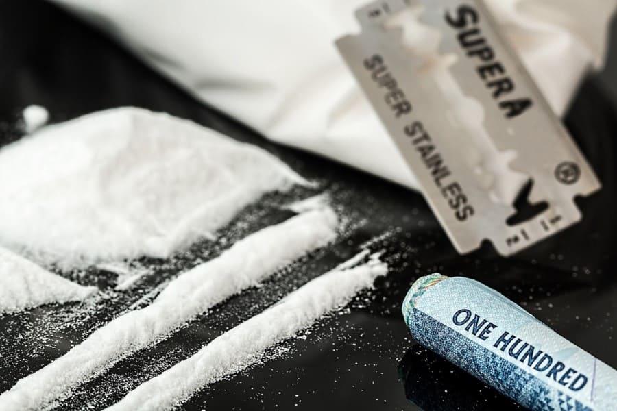 طرق علاج إدمان الكوكايين وماهي أضراره وأعراض تعاطيه