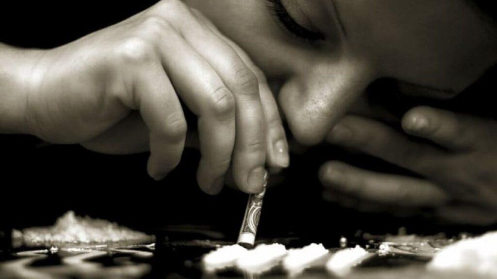 مدة بقاء الكوكايين في الجسم والعوامل المؤثرة على ذلك